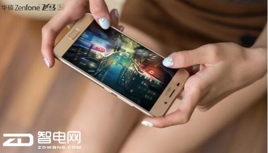 一键分屏 用华硕ZenFone飞马3s玩转多任务