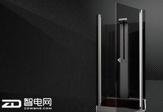 这个智能淋浴室太强大 可以边洗澡边上网