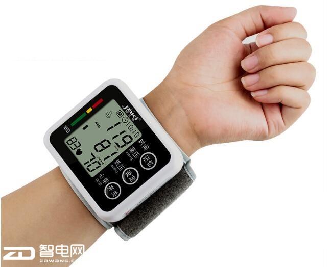 又是一年重阳日 中老年人选择适合的电子血压计