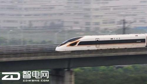自带WIFI和电源的中国复兴号