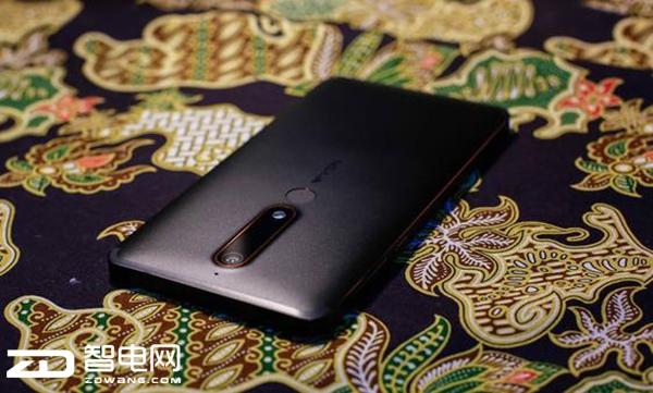 大胆前卫设计风格 诺基亚手机新颜色开卖
