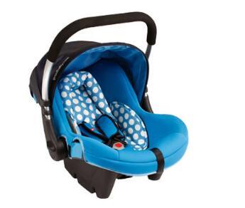 六一儿童节 隐患让路安全椅手提酣睡无压力