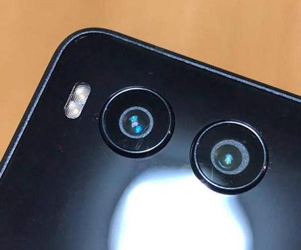 科技来电:手机上的摄像头需不需要贴膜?
