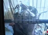 阳台上的洗衣机自燃 楼上楼下都遭了殃