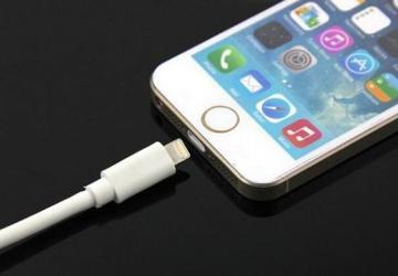 科技来电:为什么iPhone不能关机充电?