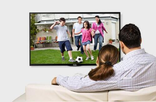 大户型小户型客厅首选  一台海尔液晶平板电视机