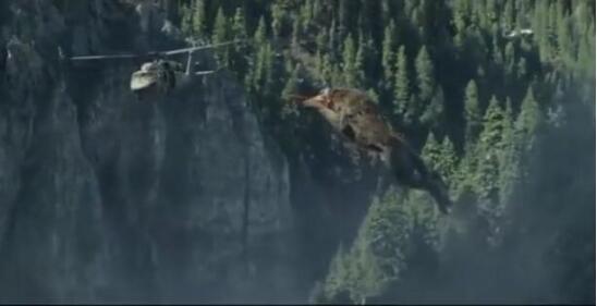 用创维65Q6A看《狂暴巨兽》 感受巨型鳄鱼秒撕狼