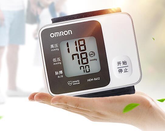 把最好的送给父母 电子血压计很重要