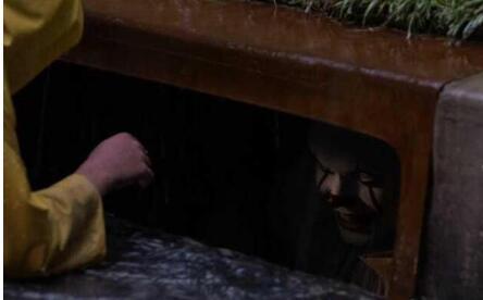 身临其境 用创维65S9A看2017年最佳恐怖片《小丑回魂》