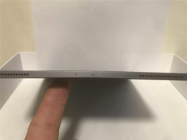 侃哥:iPad Pro遭苹果前高管退货;小米明年或用上三摄