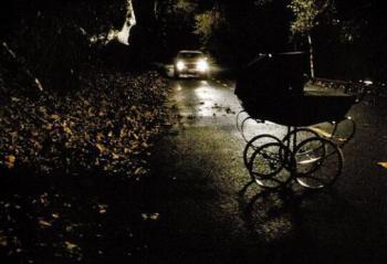 用创维55Q6A看法国悬疑片《死路》 黄泉路上的自我救赎
