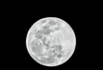 元宵节超级月亮你拍到了吗? 以华为Mate 20 Pro为例吧