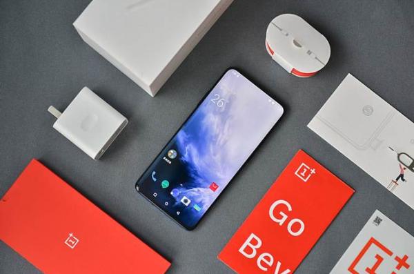 国产手机差异化卖点不足,一加7Pro能否倒逼国产品牌全面升级?