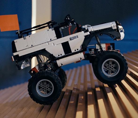 米免积木机器人  开启十一假期奇妙之旅