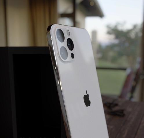 侃哥:下一代iPhone借鉴iPhone 4设计?三星下一代打孔屏曝光