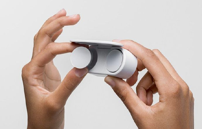 侃哥:微软发布全新Surface系列全家福,折叠屏手机抢镜!