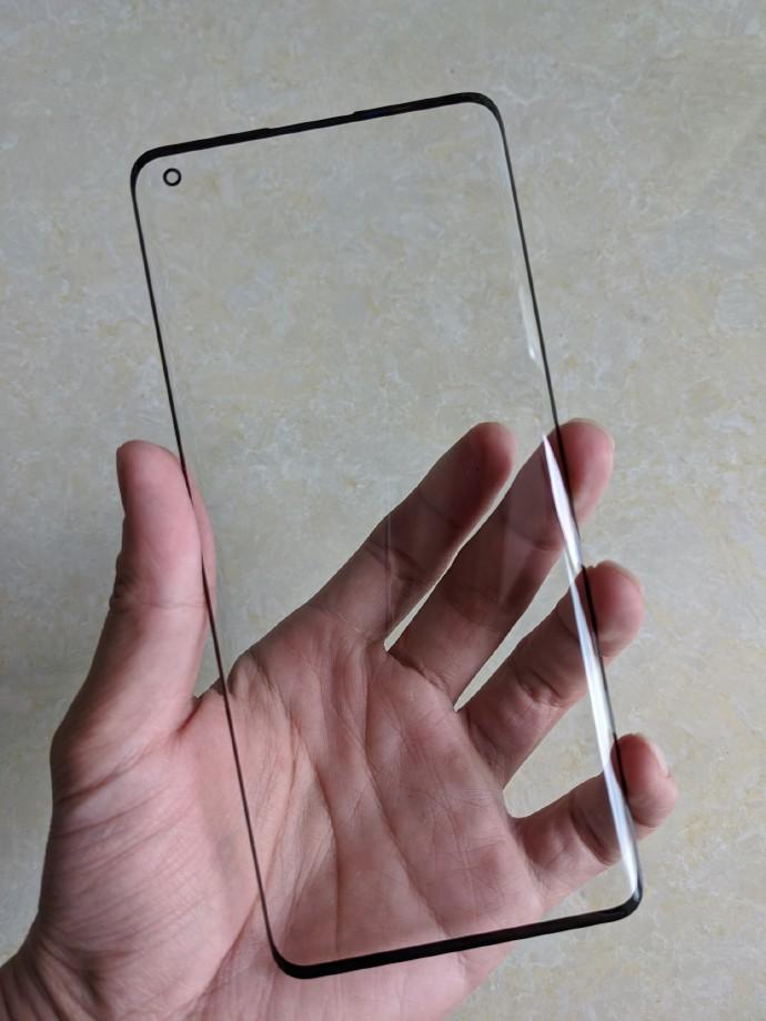 侃哥:OPPO Find X2屏幕盖板曝光 打孔曲面屏