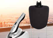 用蒸汽挂烫机对衣物进行处理  能够快速有效的杀菌消毒