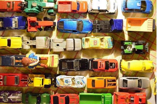 内置集成控制式智能电动儿童环保玩具技术的研发