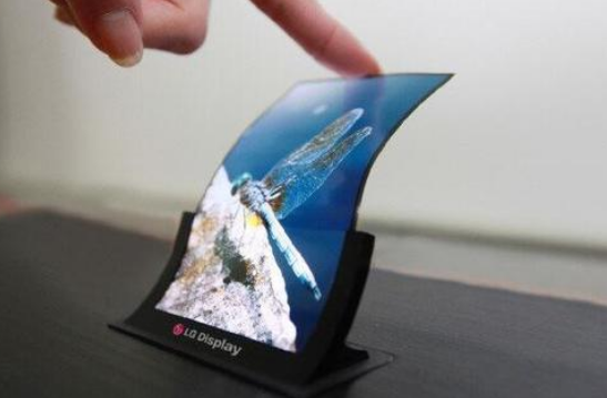 2020年全球智能手机面板市场总收入达430亿美元