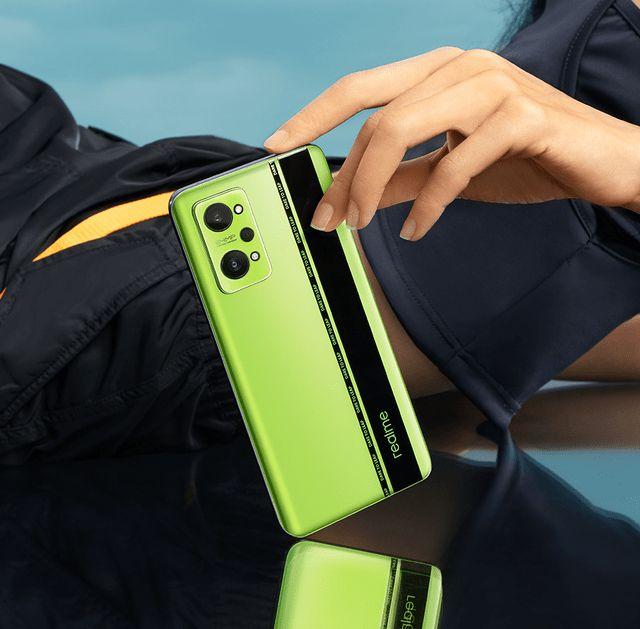 """realme真我GT Neo2  引领手机配色新""""风向标"""""""